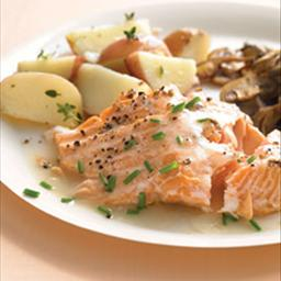 baked-salmon-with-white-wine-sauce